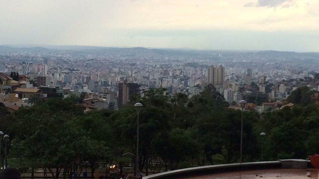 744242c0a3 O domingo em Belo Horizonte e o retorno